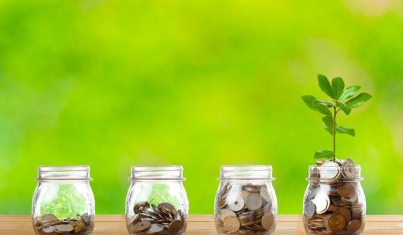 「子どもの学費は「積立」と「貯金」どっちが正解?メリット&デメリットを解説」イメージ画像