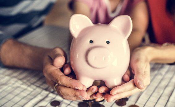 「家族とお金の話できますか?家計を支える家族会議」イメージ画像